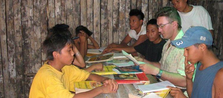 Podczas pracy w szkole w Amazonii